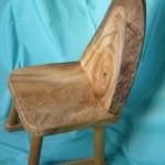 楠で造った子供椅子